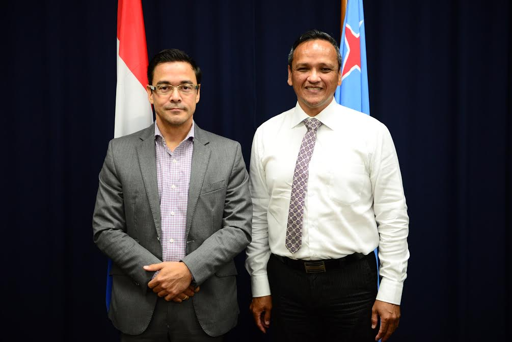 Minister Schwengle cu Edwin Jacobs di SVB