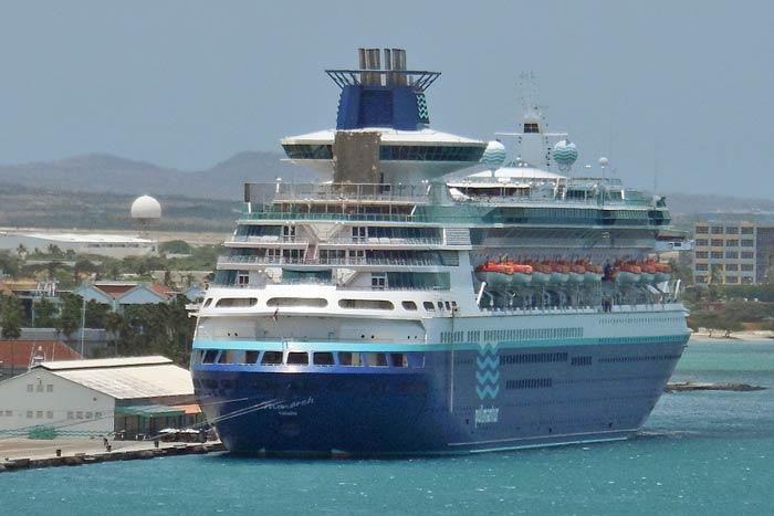 Monarch-Pullmantur-Aruba.jpg