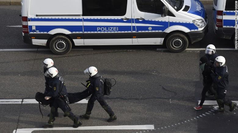 160501140758-afd-germany-protest-arrests-2-exlarge-169.jpg