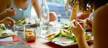 healthy-eating-out_377x171_152890168.jpg