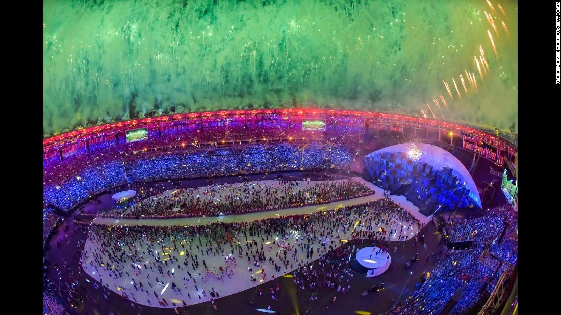 160805233225-15-rio-olympics-opening-ceremony-0805-super-169.jpg