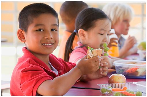 Kids-at-School-Lunch.jpg